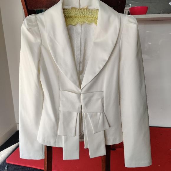 BLINGOR Jackets & Blazers - BLINGOR|| Ivory blazer Jacket SIZE S